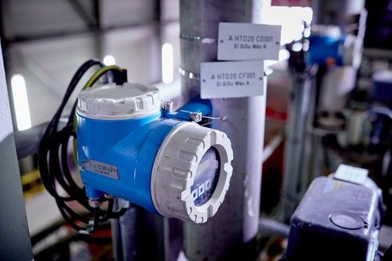 Density and flow measurement in flue gas desulfurization (FGD)